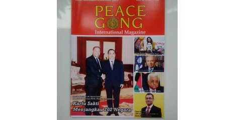 DJUYOTO SUNTANI - Great Leader of the World/President of the World Peace Committee 202 Countries HE Mr HE Djuyoto Suntani and Prime Minister off the Republic of Lao General HE Mr Thongsing Thammavong as Cover International Magazine PEACE GONG