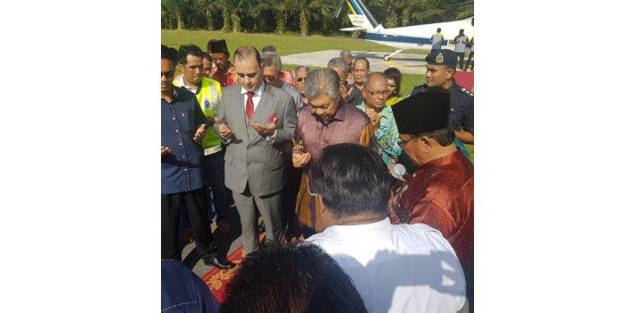 Prince Brigadier General Dato Seri Bahman Mehrpour Meet Deputy Prime Minister Datu Seri  Dr. Ahmed Zahied Hamidi For World peace