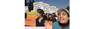 الفقر والهدر المدرسي يدفعان آلاف القاصرات إلى الزواج بالمغرب