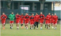 المنتخب الوطني يجري أولى حصصه التدريبية للقاء صربيا وديا بإيطاليا