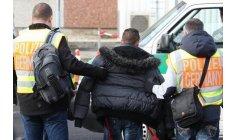 """ألمانيا ترحل مئات """"الحراكة المغاربة"""" وتُنهي حقبة """"الأم أنجيلا"""""""