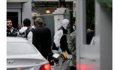 خبراء أتراك يفتشون شاحنة تابعة للقنصلية السعودية