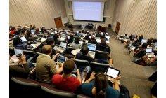 الصمدي يواجه اكتظاظ التعليم العالي بجامعات افتراضية عن بعد