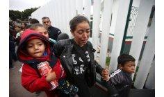 الأحلام الوردية للمهاجرين تصطدم بواقع أسود عند الحدود المكسيكية