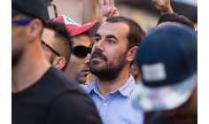 """الزفزافي ورفاقه يهزون المحكمة بشعار """"حلفنا القسم ألا نخون الوطن"""""""