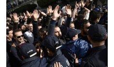 الجزائر تؤجل إصلاحات الدعم لتجنب الانتفاضة قبل انتخابات الرئاسة