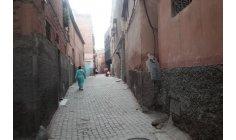 """أزقة """"سيدي يوسف"""" في مراكش .. وكر للفقر والمخدرات والإجرام"""