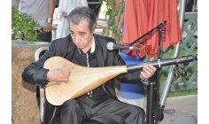 """محمد مَغني .. فنان أمازيغي بصيغة الجمع قاوم """"سنوات الرصاص"""""""