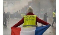 """هل يقودُ المغاربة احتجاجات """"السترات الصفراء"""" لإسقاط ماكرون؟"""
