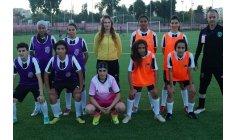 """الإكراهات المادية تفرمل تطور كرة القدم النسوية في """"دار الضمانة"""""""