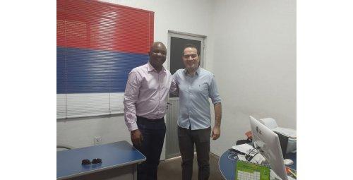 Richard Daddy Owubokiri Embaixador do Parlamento esta em Fortaleza Ceará para Campanha não violência nos Estádios e Torcidas