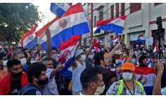Protest against pandemic management ends in violence in Paraguay