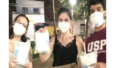 USP students distribute sanitary pads to homeless women