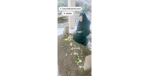 Madam Astrid S Suntani in the Tomb of the Beloved He Prof. Dr. Djuyoto Suntani, may God have you in His glory