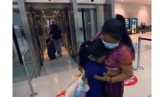 Mother meets her separated daughter at the US-Mexico border after 4 years